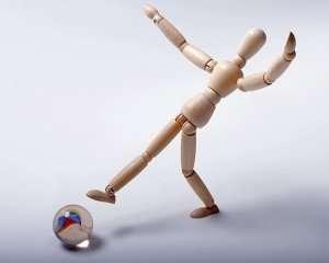 falling-manikin-model-marble